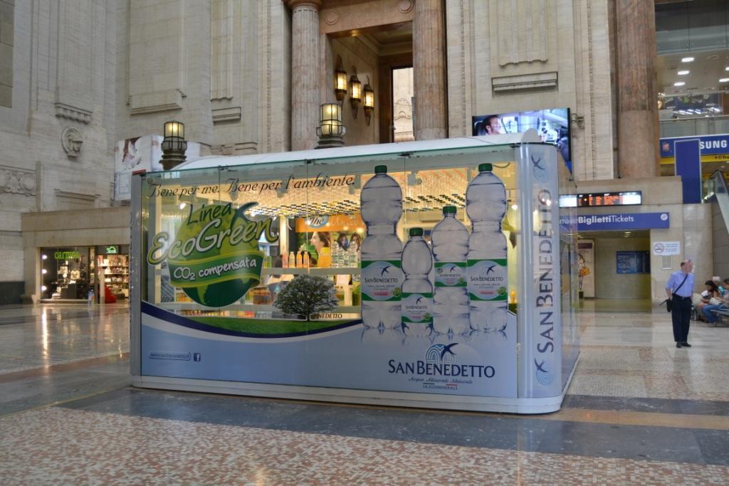 Casa san benedetto un temporary store dedicato all acqua alla stazione centrale di milano - Shop on line casa ...