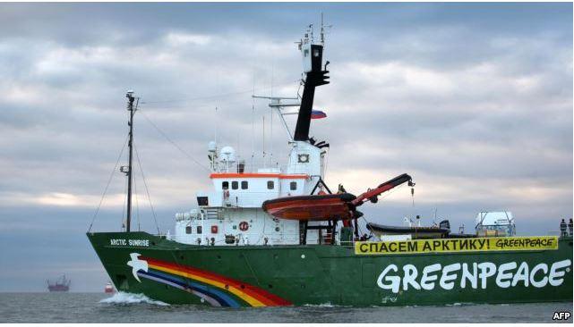 Greenpeace: la Russia vuole il diritto marittimo su misura